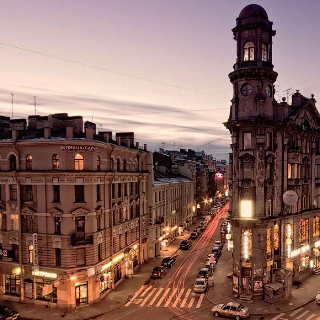 Поселиться в Питере и оказаться в центре тусовки: отели на Рубинштейна